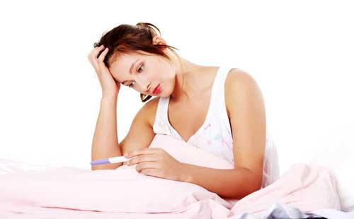 Tác hại khôn lường của bệnh viêm buồng trứng chị em chớ chủ quan