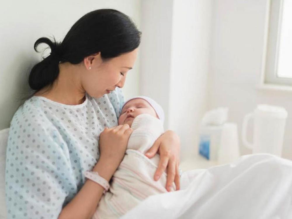 Nữ giới có nên chỉnh hình phụ khoa sau sinh ngay không?