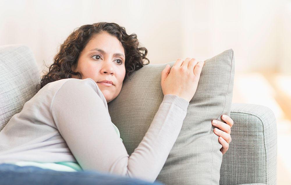 Rối loạn nội tiết tố sau khi sinh có nguy hiểm không