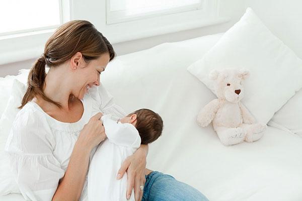 Sau khi sinh bao lâu nữ giới có thể đặt vòng tránh thai được
