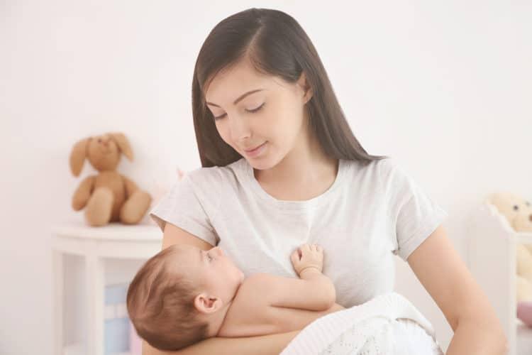 Chưa có kinh nguyệt sau sinh đặt vòng tránh thai được không?