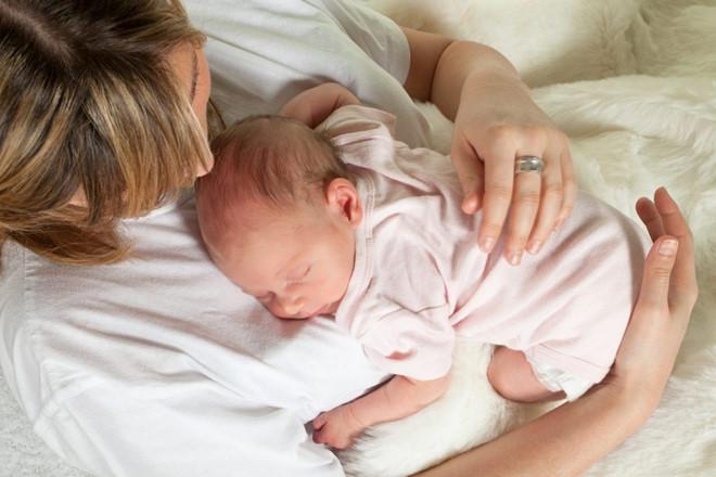 Bị buồng trứng đa nang sau khi sinh có cần tiếp tục chữa trị không
