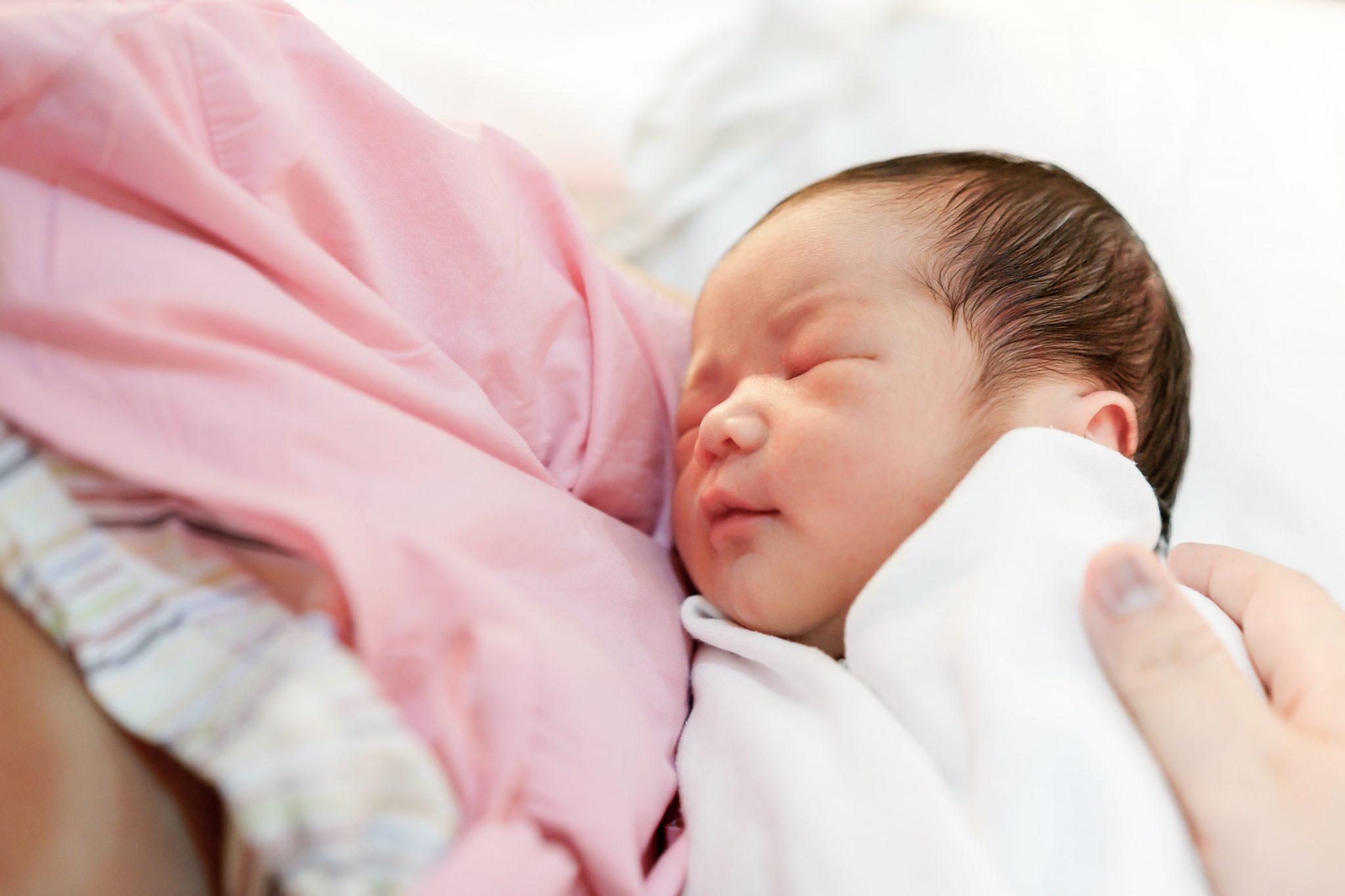 Triệu chứng viêm nội mạc tử cung sau khi sinh chị em cần lưu ý