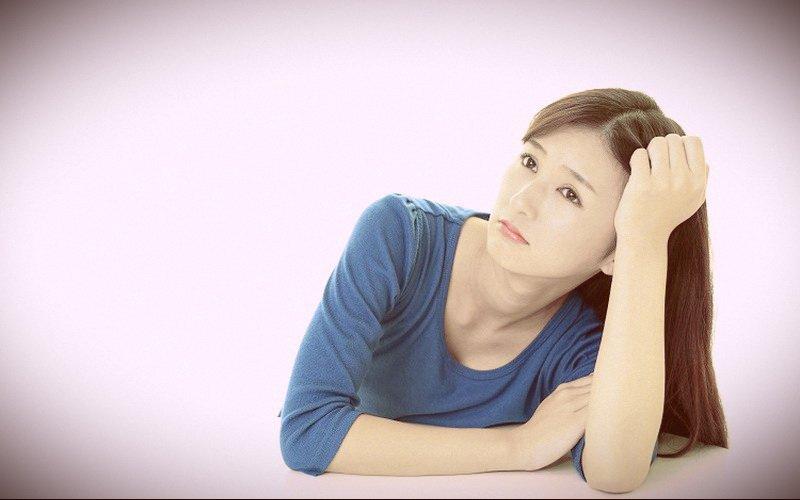 Chị em bị rong kinh do rối loạn nội tiết tố gây nên phải không?