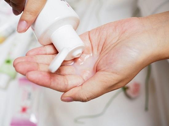 Vệ sinh vùng kín sạch sẽ trước khi chụp tư cung vòi trứng